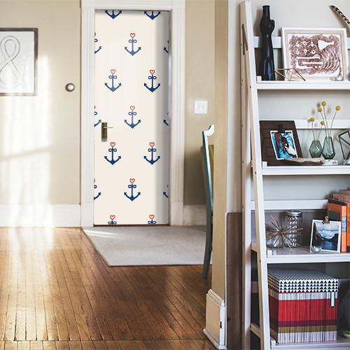 Sticker adhésif décoratif autocollant collé sur sur la porte d'entrée motif ancres coeurs