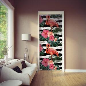 studio avec sticker motif flamant rose rayé noir et blanc collé sur la porte