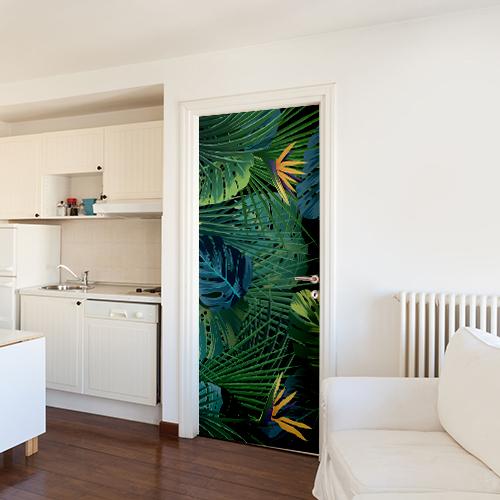 studio avec sticker végétaux de jungle sur fond noir collé sur la porte