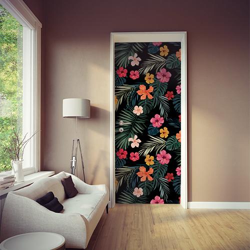 Salon avec adhésif déco pour portes et placards motif hibiscus multicolore façon papier peint déco.