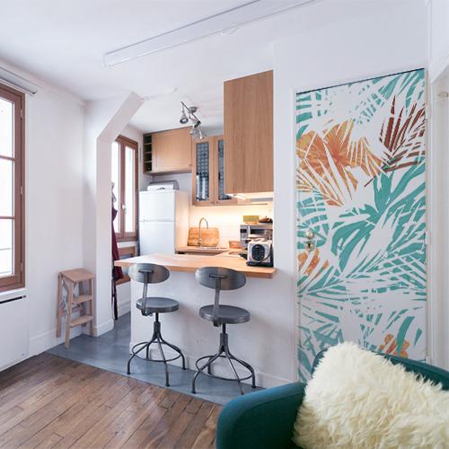 Cuisine de studio moderne avec déco intéireure pour porte motif jungle dipo.