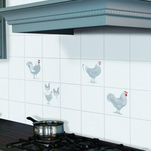 Sticker carrelage poules et coqs au dessus d'une gazinière