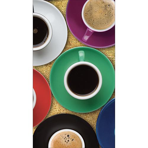 Sticker adhésif tasse de café collé sur un frigo américain typique
