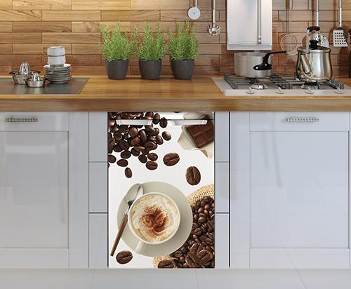 Sticker déco adhésif modèle Café collé sur un petit frigo blanc classique