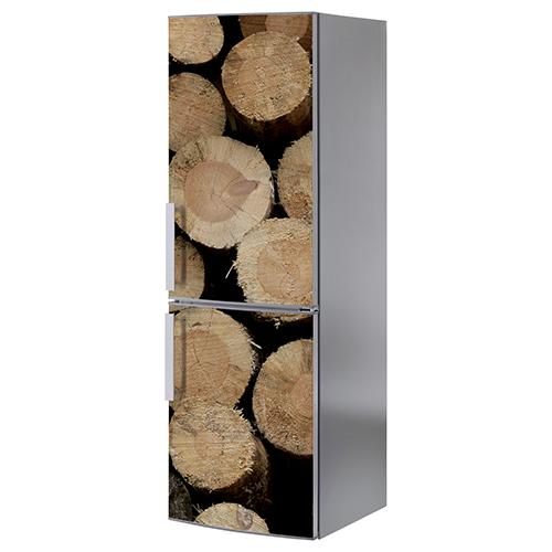 Grand frigo classique orné d'un sticker autocollant buche de bois