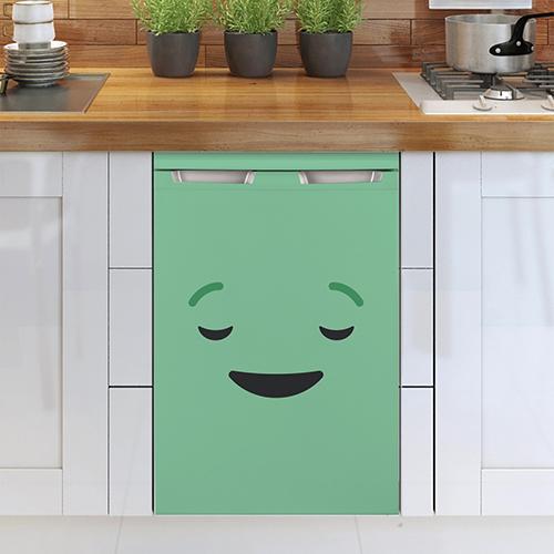 Sticker décoratif adhésif décorant un lave vaisselle blanc