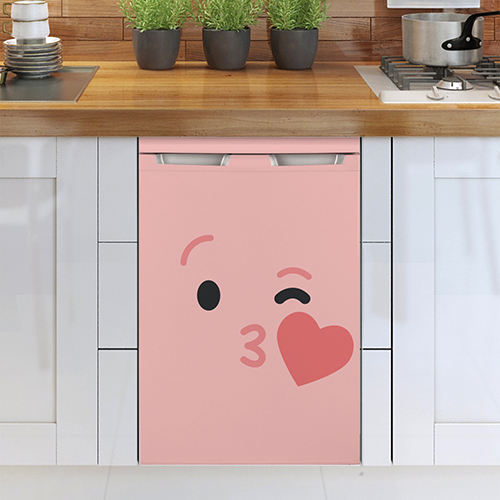 Lave vaisselle classique sublimé avec un sticker smiley coeur bisous rose