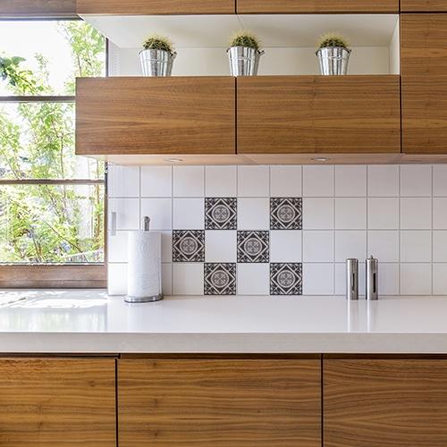 Autocollant ciment gris pour décoration carrelage blanc pour cuisine en bois