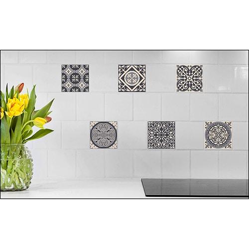 Stickers imitation faux carreaux de ciment gris mis en ambiance, 1ère proposition
