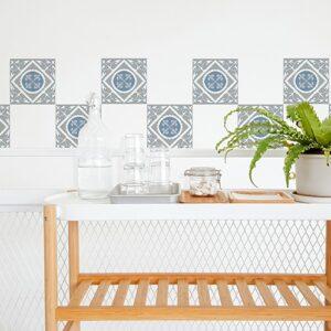 Autocollant décoration ciment souris bleu et gris pour carrelage blanc de salle à manger