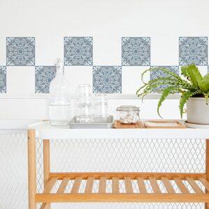Adhésif ciment souris bleu, blanc et gris pour décoration carrelage blanc de salle à manger