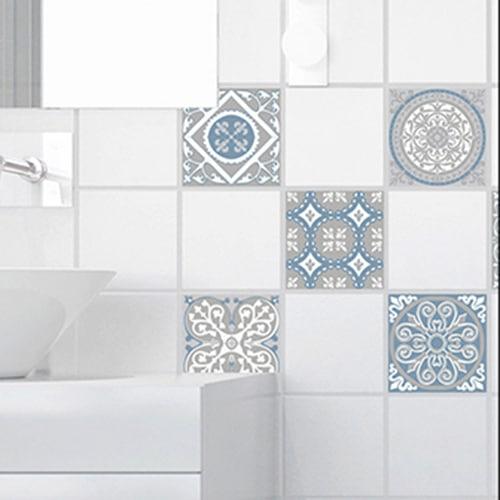Adhésif déco ciment souris bleu, blanc et gris pour carrelage blanc de salle de bain