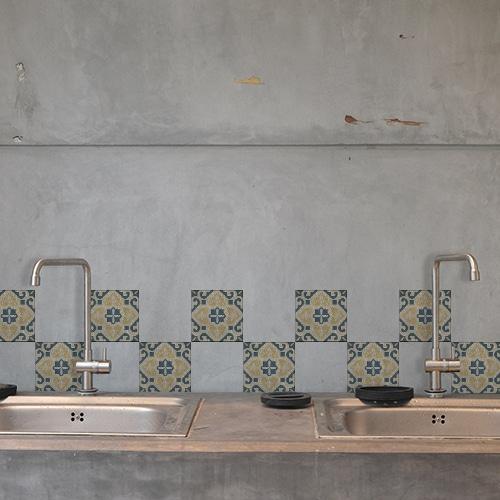 Sticker autocollant au dessus d'un évier de cuisine déco pour carrelage Celletta