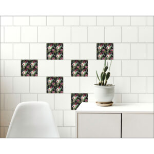 salle à manger décorée avec des stickers carrelages tropicaux