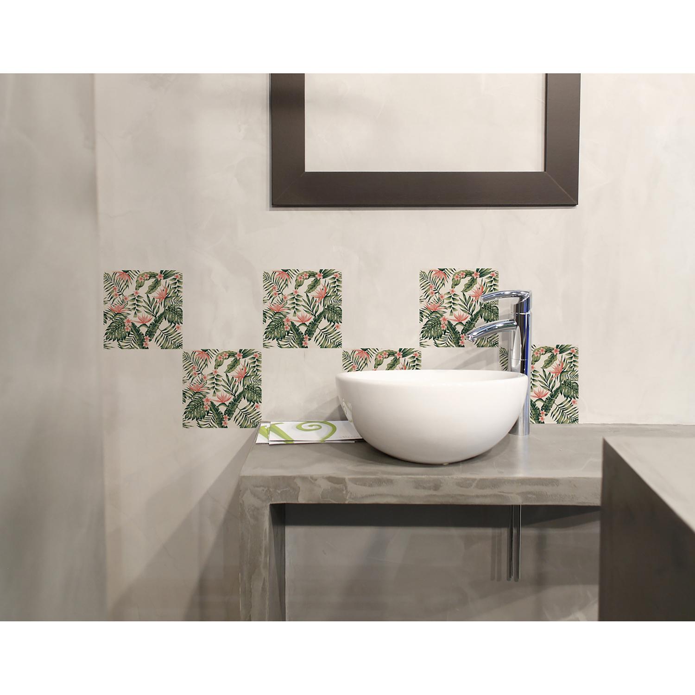 salle de bain décorée avec des stickers style tropical