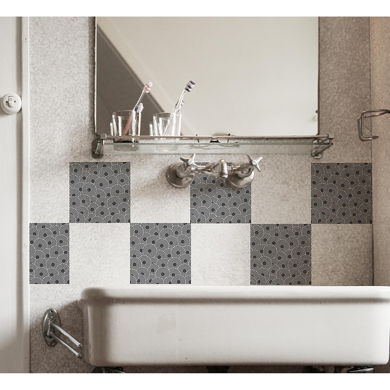 lavabo ancien réhaussé de déco carrelage art déco