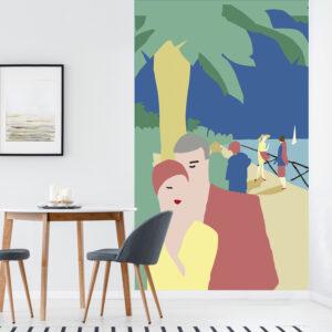Poster géant en intissé, panoramique, facile à poser, ambiance estivale originale, bord de mer, couple à la plage, ciel bleu azur et couleurs poudrées méditerranéennes, peinture minimaliste moderne.