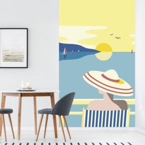 Papier intissé décoratif, customisation simple de votre mur, allure rétro chic, illustration de femme de dos face à la mer, vue panoramique, bleu, jaune, vieux rose et beige facile à entretenir, idéal pour une chambre ou un salon, 2.50 m x 1.50m.