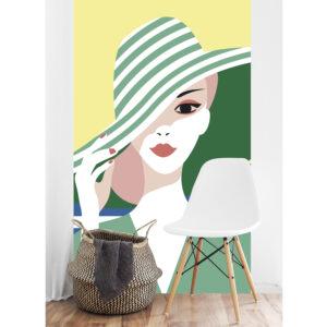 panoramique dame au chapeau vert